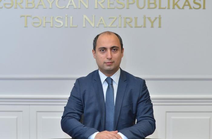 """Emin Əmrullayev: """"Azərbaycanda müəllimlərin 83 faizini xanımlar təşkil edir"""""""