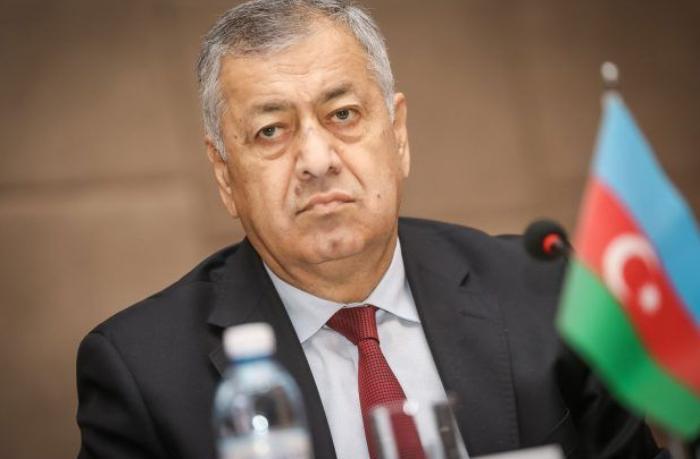 """Vahid Əhmədov: """"Bahalı binaların tikintisi təxirə salınmalıdır"""""""