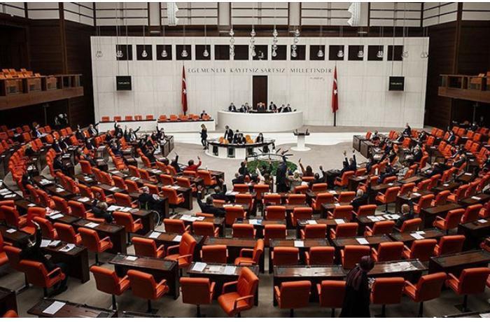 Türkiyənin siyasi partiyaları Qarabağla bağlı qətnaməni pislədi