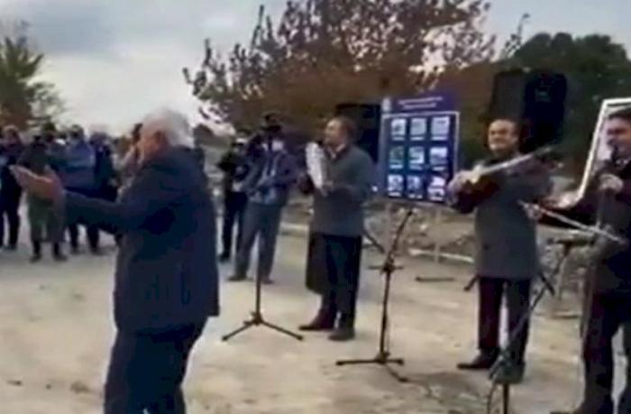 Xalq artisti oxudu, deputat rəqs etdi — Ağdamdan  VİDEO