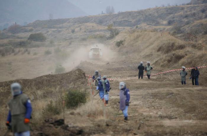 """ANAMA-nın direktoru: """"Əhali kənar yollarla işğaldan azad olunan minalı ərazilərə daxil olur"""""""