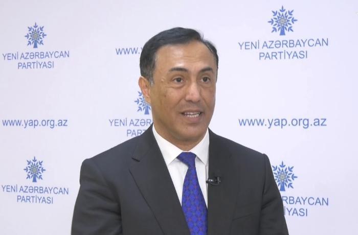 """Elman Nəsirov: """"Hazırda Ermənistanda küçələrdə tanklar, toplar görünmür"""""""