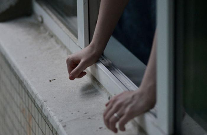 Abşeronda 15 yaşlı qız intihara cəhd etdi — VİDEO