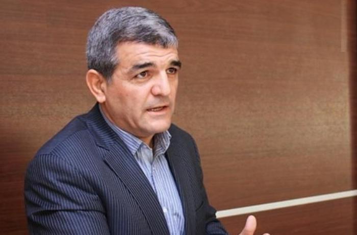 """Deputat: """"Nə deyirsiniz, bəlkə elliklə yığışıb o dəbilqələrdən üzr istəyək?"""""""