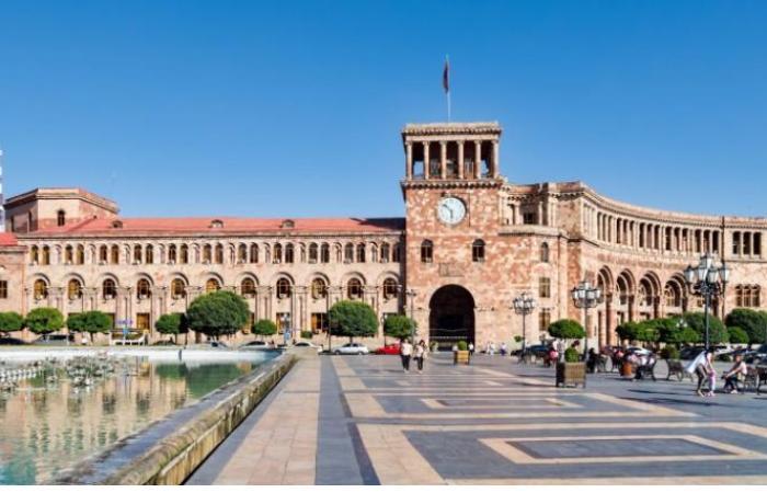 Yerevan hökuməti qarabağlı ermənilərdən xilas olmağa çalışır