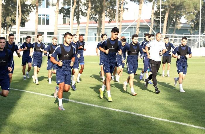 """""""Qarabağ""""ın məşqçisi: """"13-14 futbolçumuz var"""""""