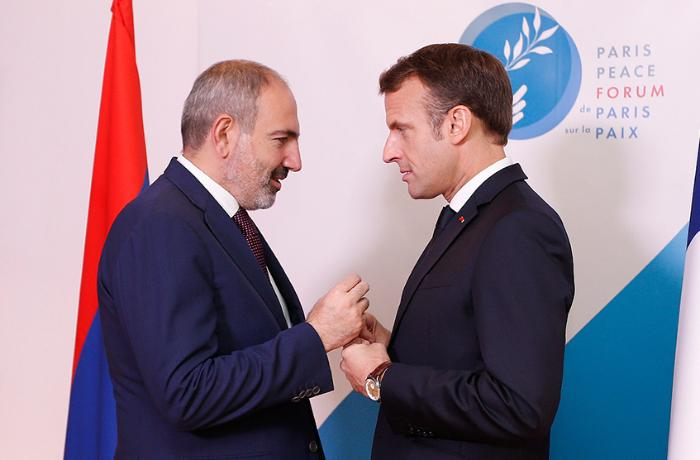 Fransanın prezidenti, yoxsa Ermənistanın vəkili: Makron kimdir?