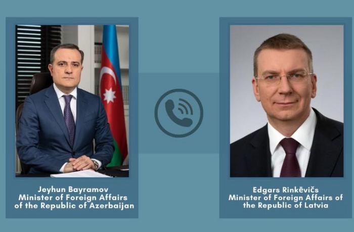 Azərbaycan və Latviya XİN başçıları arasında telefon danışığı oldu