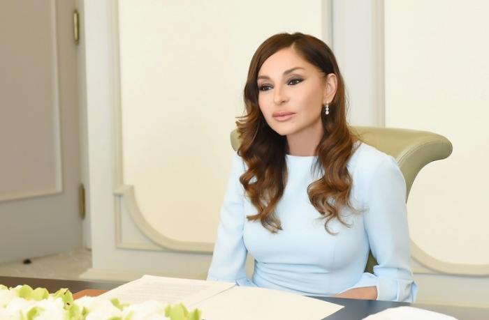 Mehriban Əliyeva balaca Tunarla bağlı tapşırıq verdi — FOTO