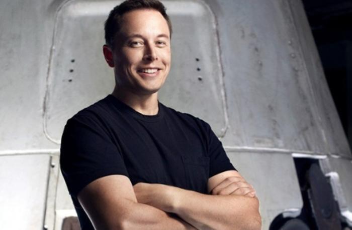 """İlon Mask """"Tesla"""" və """"SpaceX"""" barədə kitab yazmağa başlayıb"""