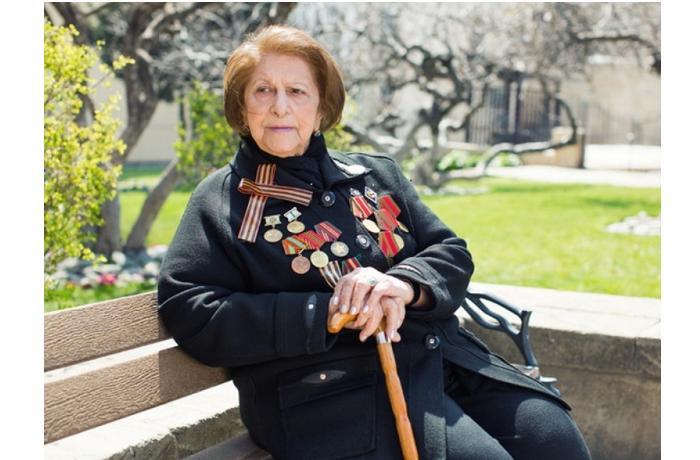 Hitlerə qarşı vuruşmuş 99 yaşlı qadın Azərbaycanda sədr seçildi — FOTALAR