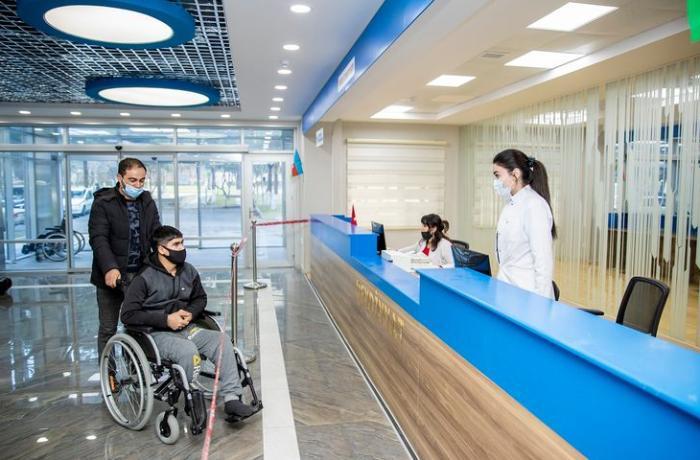 Daha bir qazi yüksək texnologiyalı protezlə təmin edilir
