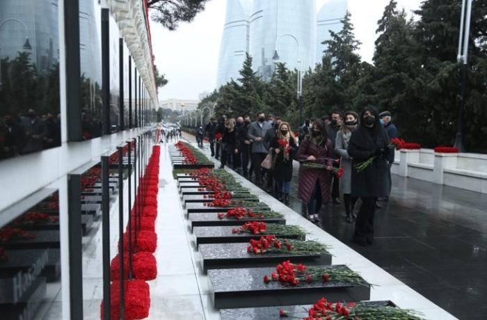 Anavətənçilər 20 Yanvar Şəhidlərini yad etdilər — FOTOLAR
