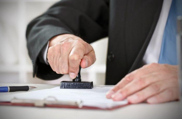 Sənədlərin notarial təsdiqinə görə rüsum 3 dəfə azaldılır