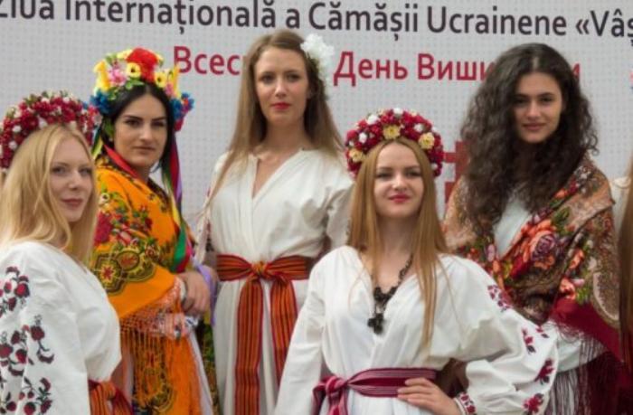 Moldovada rus dilinin xüsusi statusu ləğv olundu