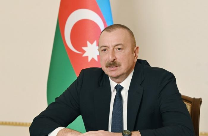 """Aynur Tattersal: """"Hər hansı prezidentin 4 dildə bu cür mətbuat konfransını aparmasının şahidi olmamışam"""""""