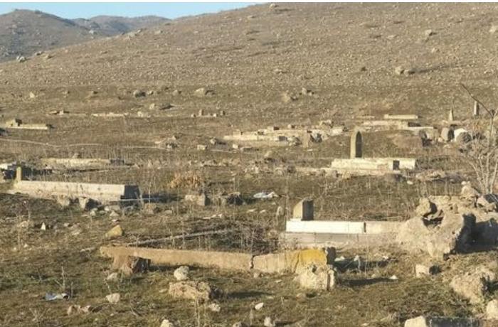 Ermənilər Qubadlının kənd qəbiristanlığını dağıdıb — FOTO