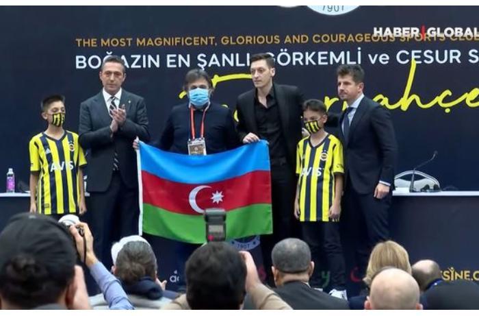 Mesut Özil təqdimatı zamanı Azərbaycana dəstəyini belə ifadə etdi — VİDEO