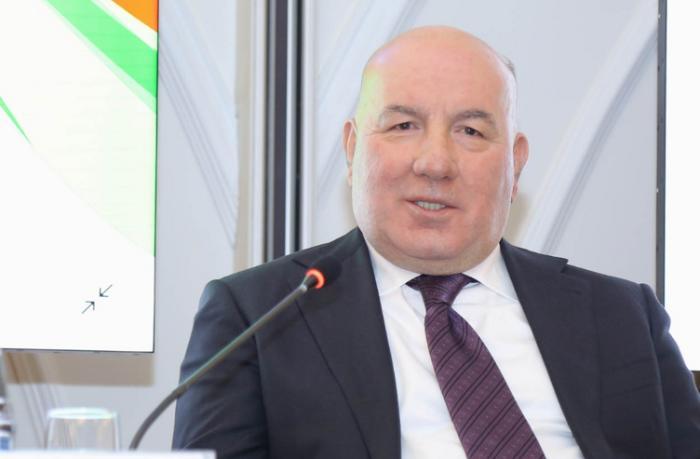 Elman Rüstəmov Dünya Bankının rəsmisi ilə görüşdü