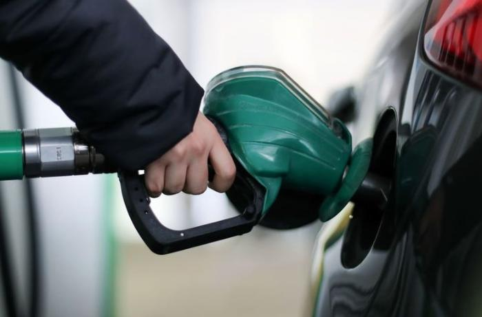 Azərbaycanda benzin istehsalı azalıb
