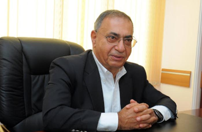 """Asim Mollazadə: """"Deputatların maaşı müəllim və həkimlərinkindən yaxşı olmamalıdır"""""""