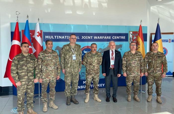 Azərbaycanın Quru Qoşunları komandanı Türkiyənin ordu generalı ilə görüşdü — FOTOLAR