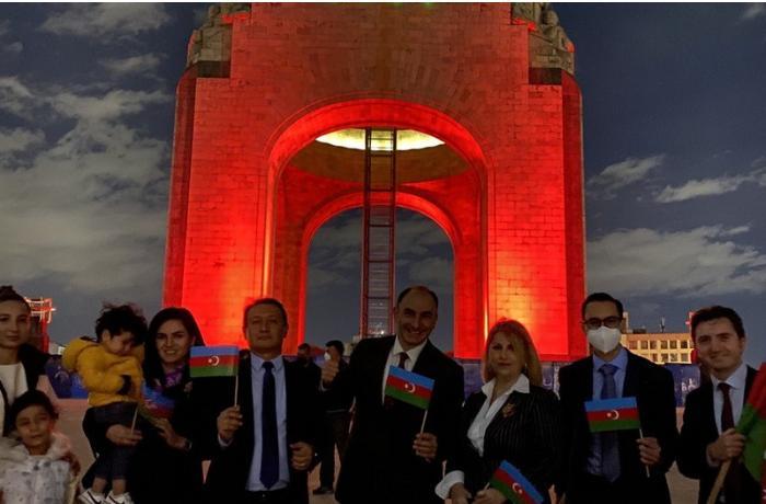 Meksikanın paytaxtı Azərbaycan bayrağının rənglərində işıqlandırıldı — FOTOLAR