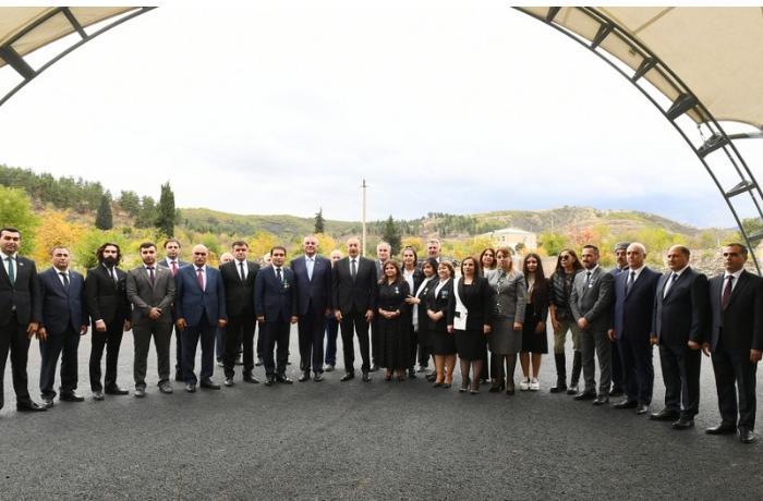 Prezident və birinci xanım Zəngilan ictimaiyyətinin nümayəndələri ilə görüşdülər