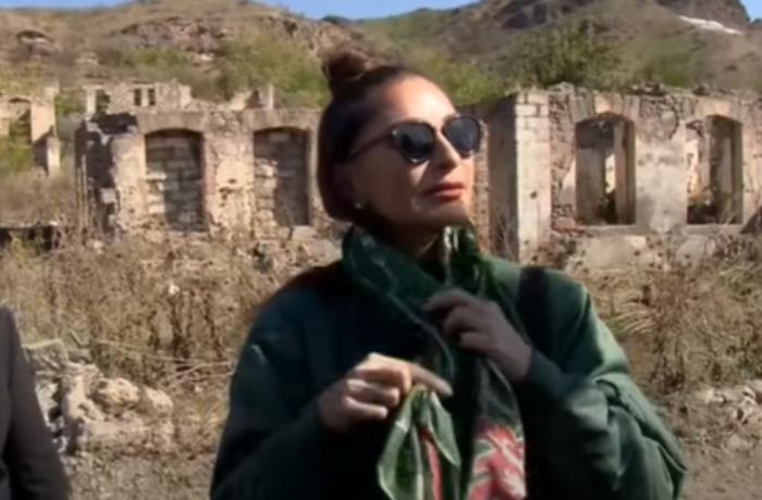 Qubadlı sakini Mehriban Əliyevaya kəlağayı bağışladı — VİDEO