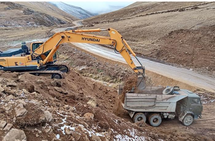 """MN: """"Kəlbəcər və Laçında 580 km-dən çox torpaq örtüklü yollar inşa edilib"""""""