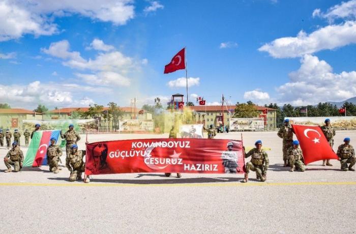 Azərbaycan Ordusunun 383 xüsusi təyinatlısı Türkiyədə təlimi başa vurdu — FOTOLAR