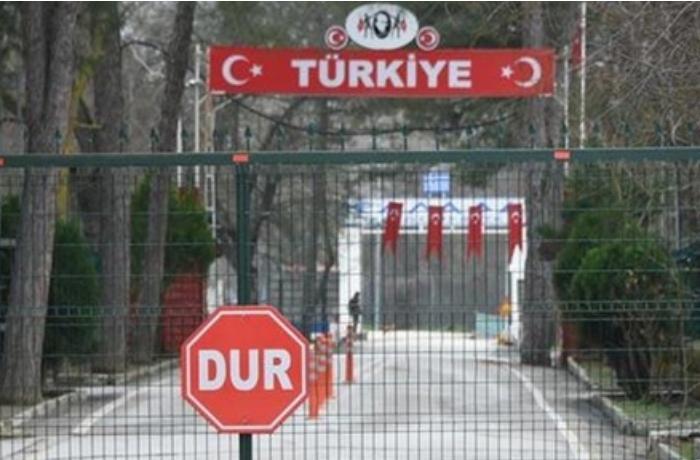 """Ermənistan qapı və """"nəfəslik"""" üçün yalvarır"""