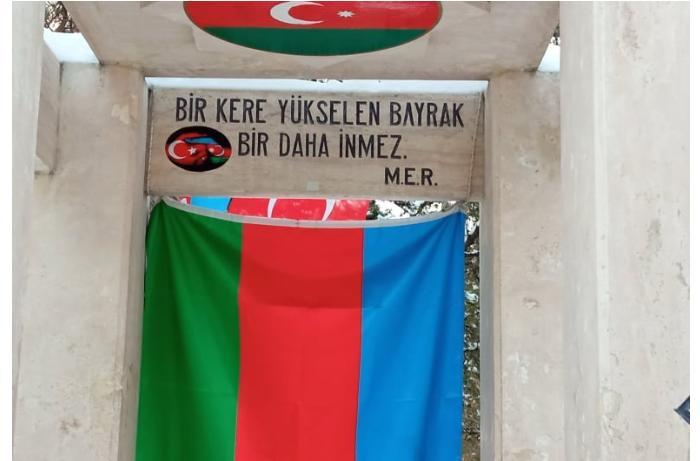 Azərbaycanlı jurnalistlər Rəsulzadə ilə Atatürkün məzarlarını ziyarət etdi — FOTOLAR
