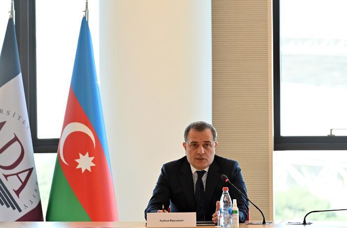 Ceyhun Bayramov fransızlara Ermənistanın cinayətlərindən danışdı