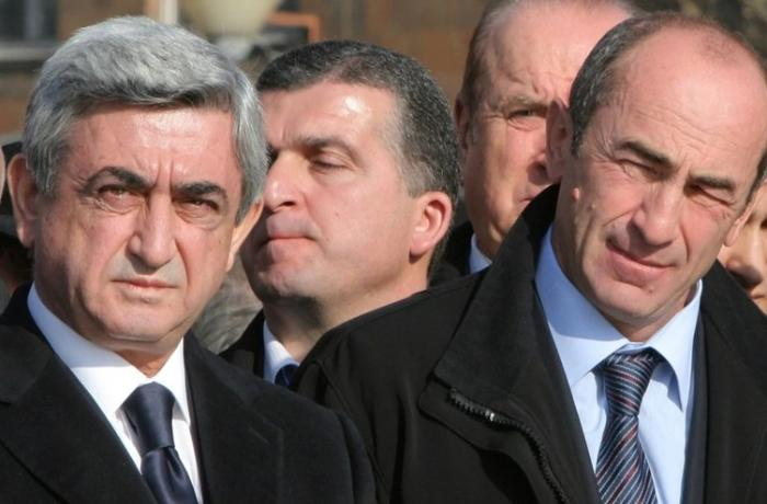 Köçəryan və Sarkisyan hərbi çevriliş cəhdinə dəstək verdilər