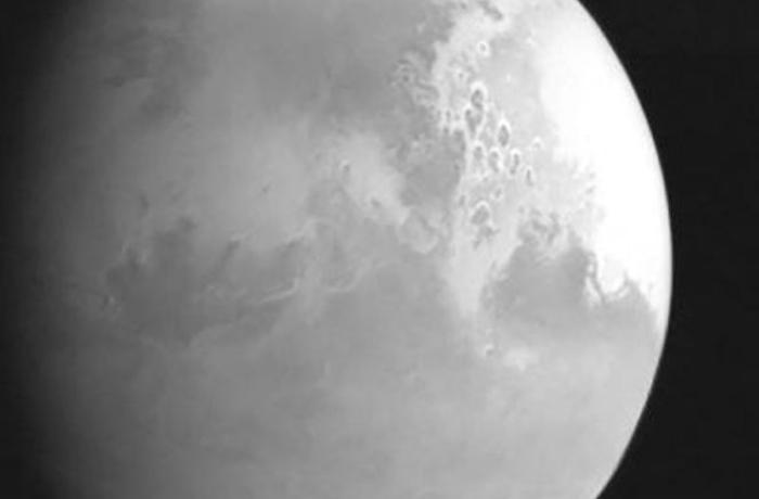 """""""Roscosmos"""" Marsda nəhəng tornadoların fotosunu yayımladı"""