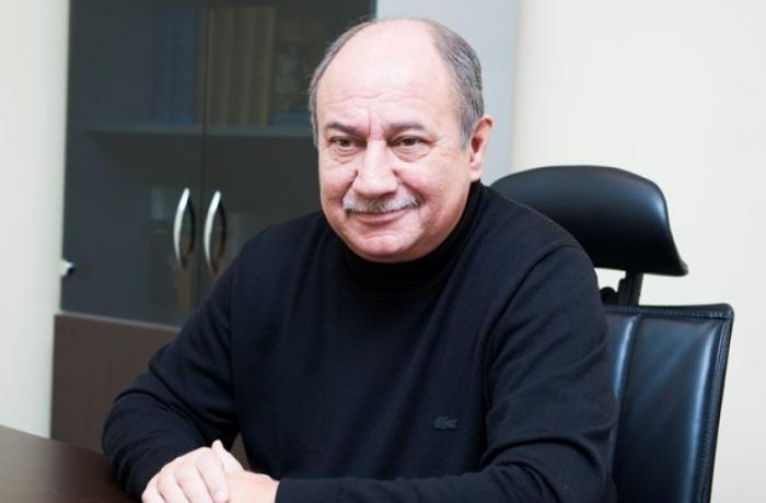 """""""Putinin ayrı çıxış yolu yoxdur,..."""" — Araz Əlizadə"""