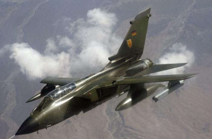 SON DƏQİQƏ: Almaniya Hollandiyanı bombaladı