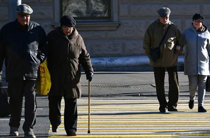 Moskvada yaşlılar üçün özünütəcrid rejimi ləğv edildi
