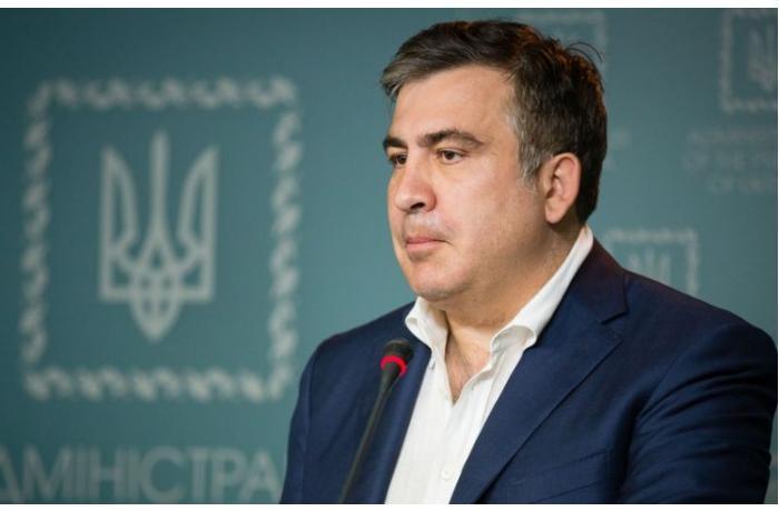 Prezident Saakaşvilini vəzifəsindən azad etdi