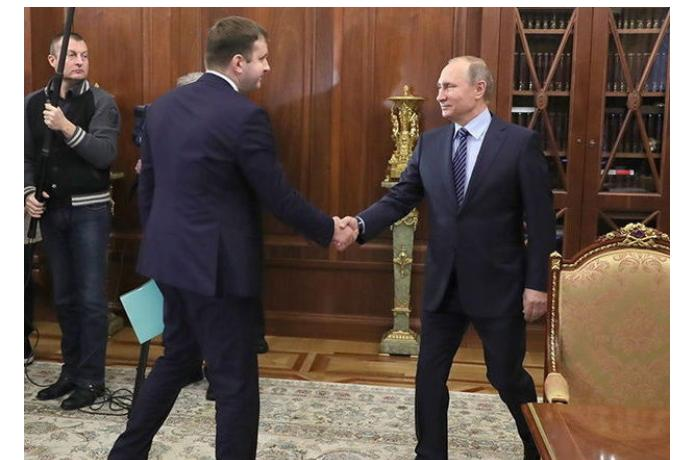 Köməkçisi koronavirusa yoluxan Putin təcriddən imtina etdi