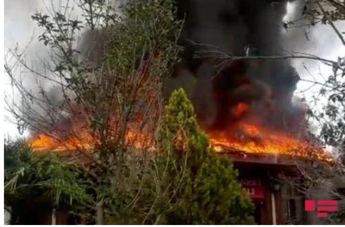 """""""Yaşıl park"""" ailəvi istirahət mərkəzi yandı — FOTOLAR"""