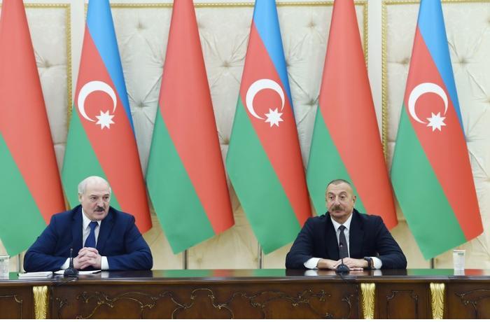 Azərbaycan və Belarus prezidentləri mətbuata bəyanatlarla çıxış etdilər — FOTOLAR