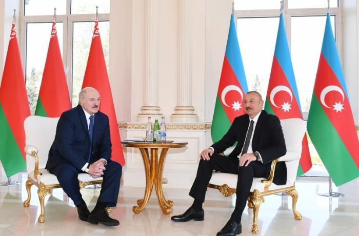 Azərbaycan və Belarus prezidentlərinin geniş tərkibdə görüşü oldu