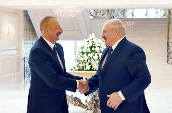 """Belarus prezidenti: """"Kişi kimi demişəm ki, hər kəs buradan müəyyən həcmdə işlə getməlidir"""""""