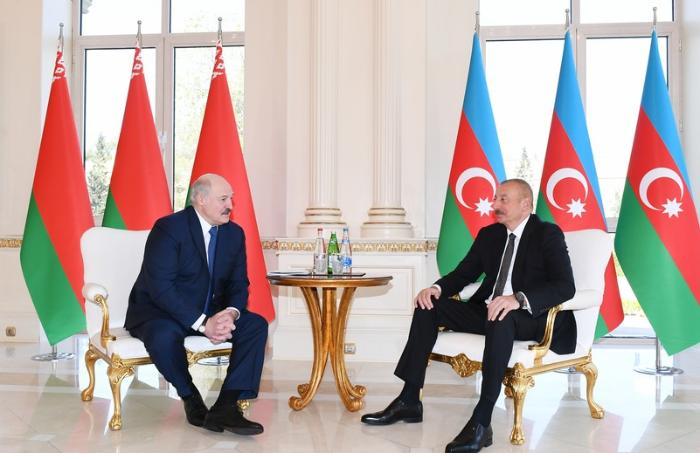 Azərbaycan və Belarus prezidentlərinin təkbətək görüşü oldu — YENİLƏNİB