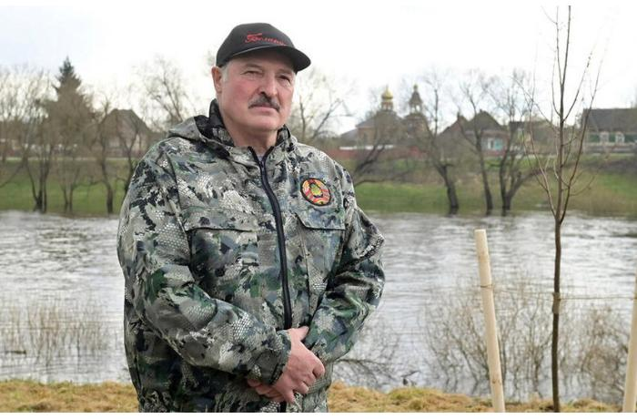 Lukaşenkoya hərbi qiyam hazırlayanlar saxlanılıb — Sui-qəsdin TƏFƏRRÜATI (VİDEO)