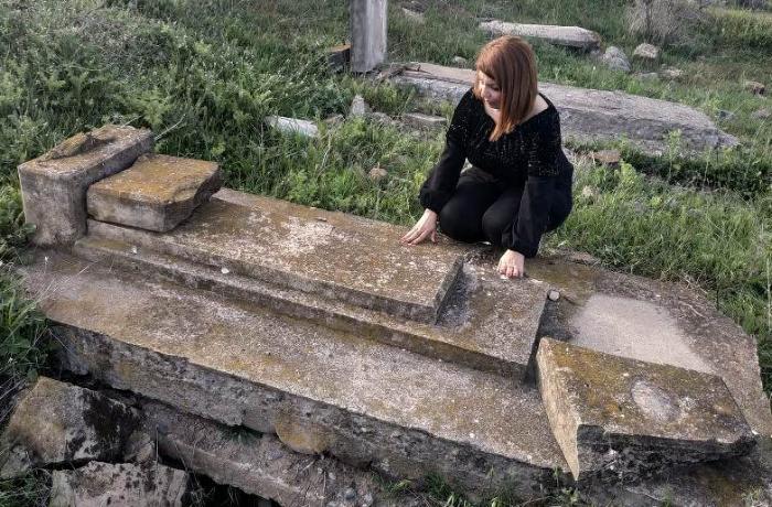 Jurnalist 28 ildən sonra Zəngilanda atasının məzarını tapdı