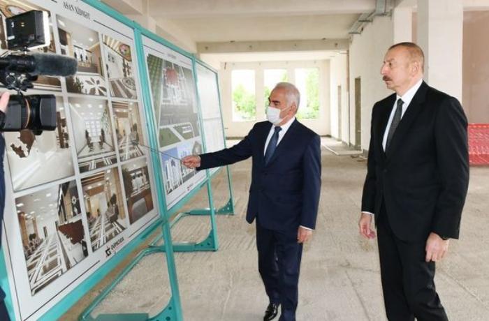 """Dövlət başçısı Naxçıvanda """"ASAN xidmət"""" Mərkəzinin tikintisi ilə tanış oldu — YENİLƏNİB"""