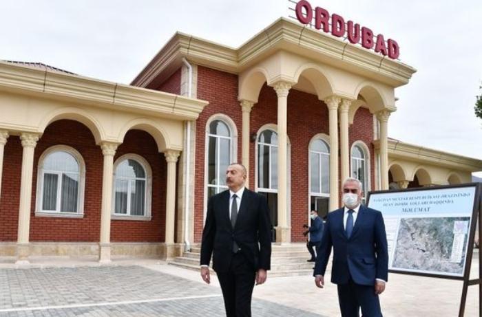 Prezident Ordubad dəmir yolu stansiyası ilə tanış oldu — YENİLƏNİB